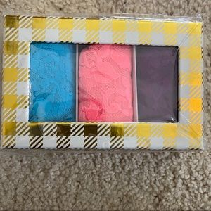 NWT Hanky Panky Low Rise Thongs - Boxed Set of 3